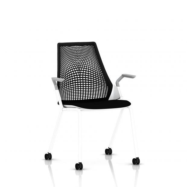Sayl Side Chair Herman Miller Studio White / 4 Pieds - Roulettes / Dossier Suspension Noir / Assise Tissu Havana
