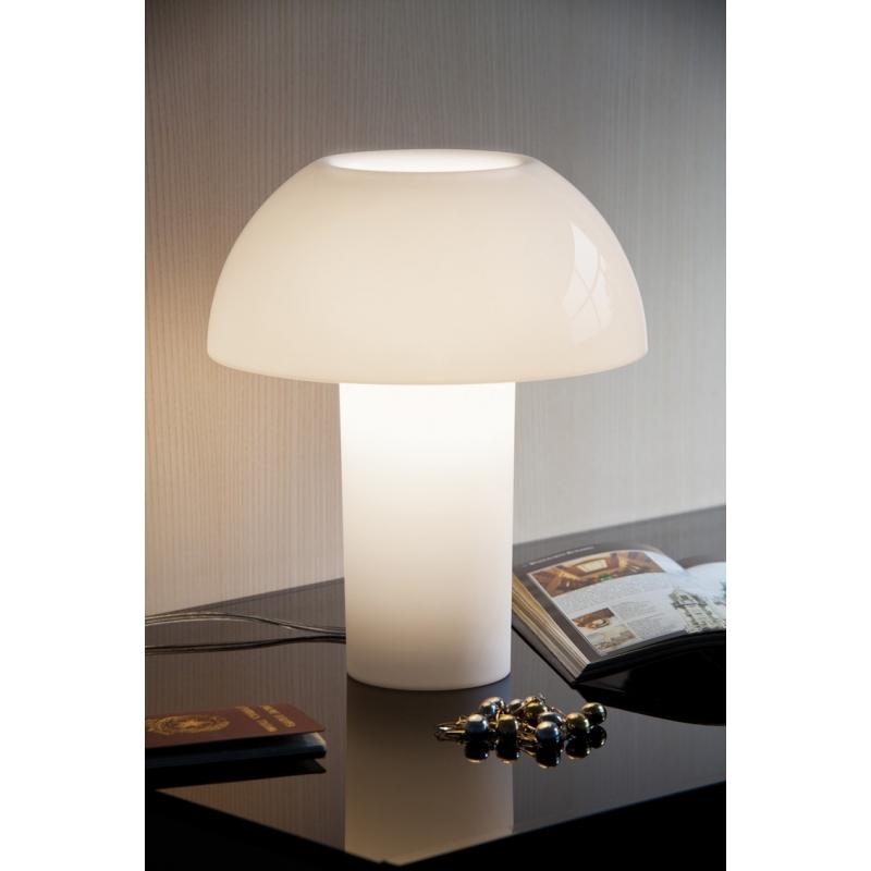 colette pedrali lampe blanche. Black Bedroom Furniture Sets. Home Design Ideas