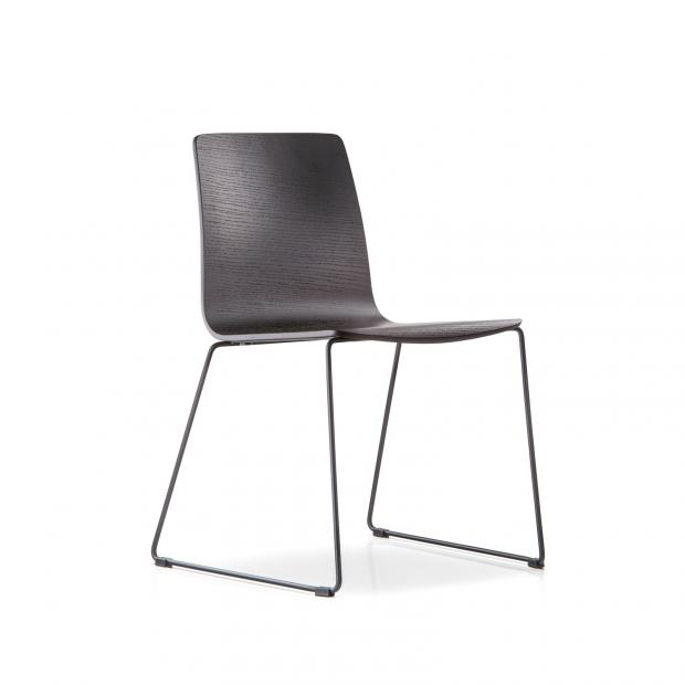Inga 5619 Pedrali chaise 2 pieds - chêne teinté noir - structure noire