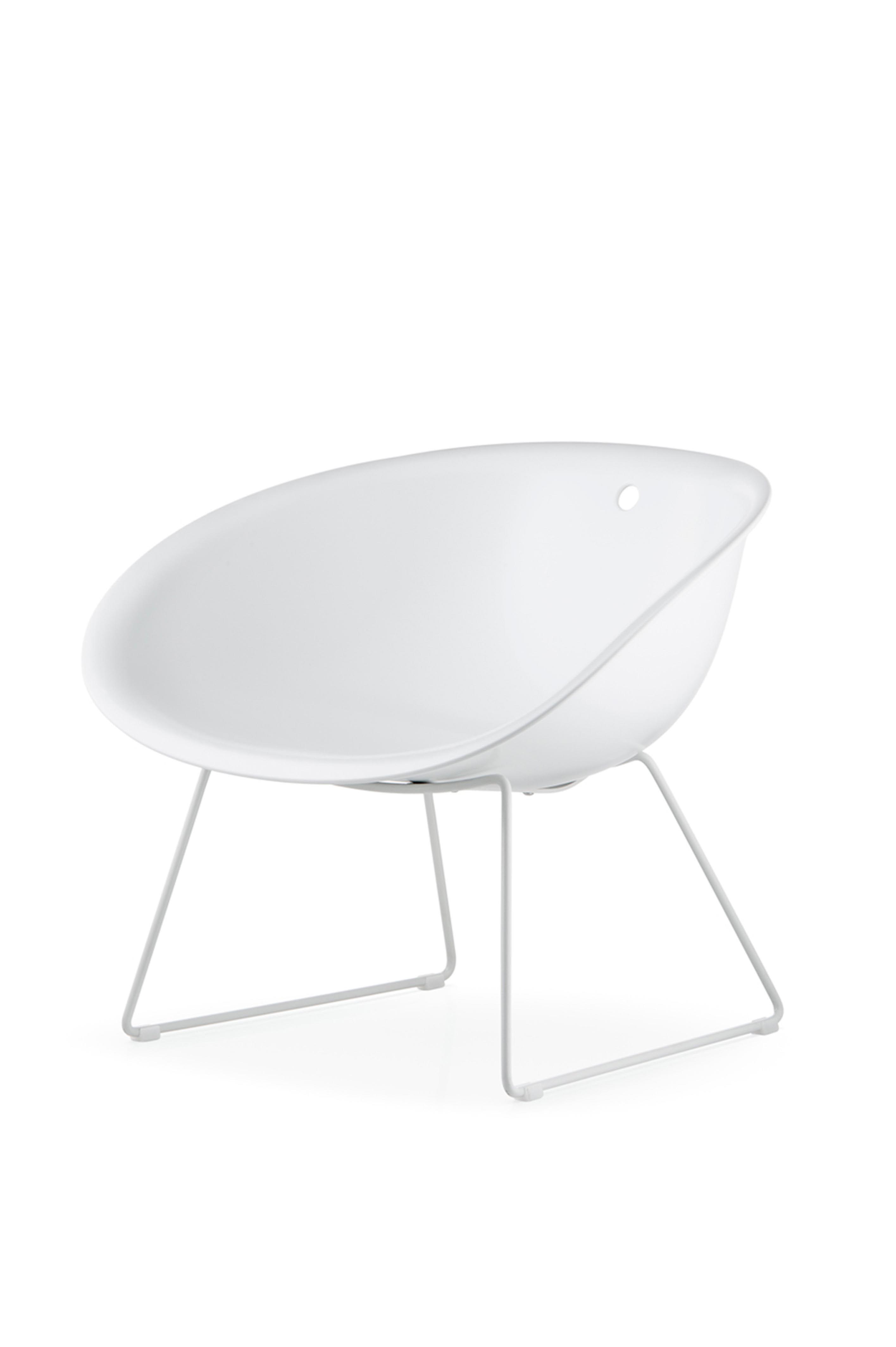chaise coque blanche chaise tulipe pivotante coque blanche assise cuir noir awesome chaise. Black Bedroom Furniture Sets. Home Design Ideas