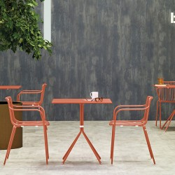 Nolita 3655 Chaise de terrasse Pedrali avec accoudoirs et dossier bas